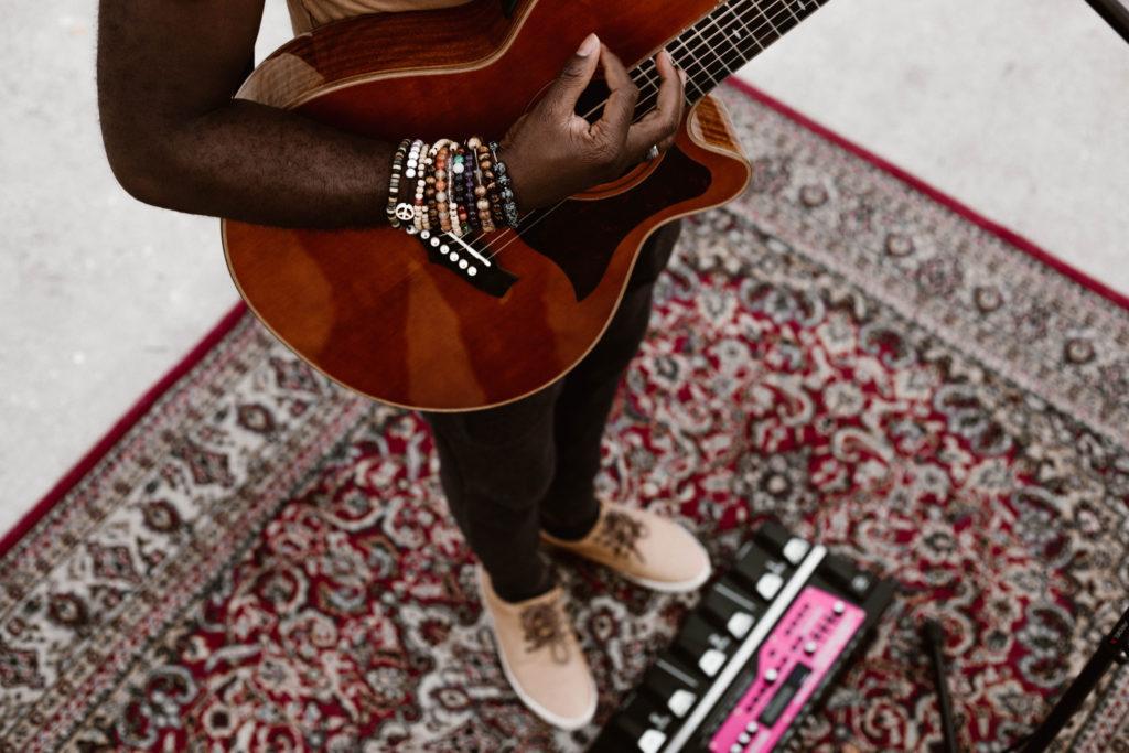 Portrait Alvy chanteur The Voice - Madeleine - Photographe à Angers