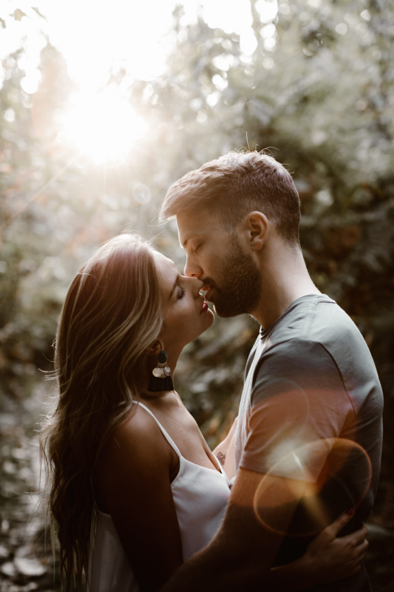une_seance_couple_en_foret_a_l_automne_21
